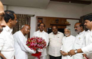 Kumaraswamy's swearing-in