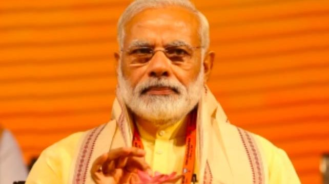 Modi launches medley version of Bapu's favourite bhajan