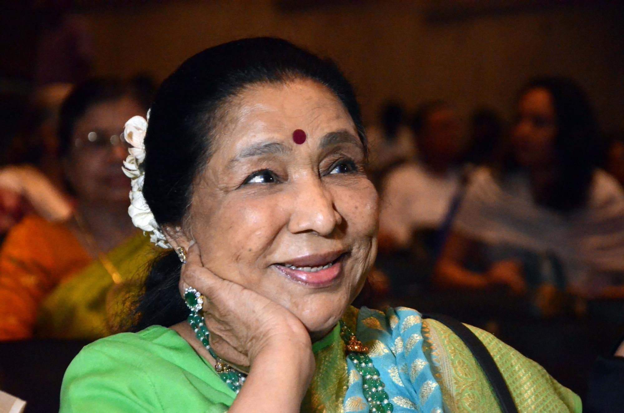 Impossible for anyone to take Kishore Kumar's place: Asha Bhosle
