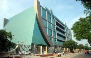 CBI raids TN Minister, DGP in gutkha scam