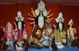 Bengal decks up to bask in Durga Puja fervour