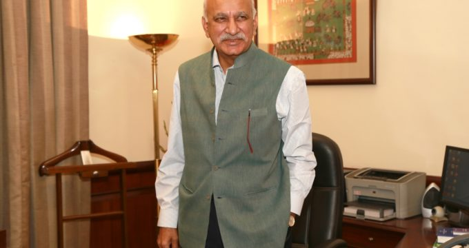 Congress asks Akbar to come clean or resign