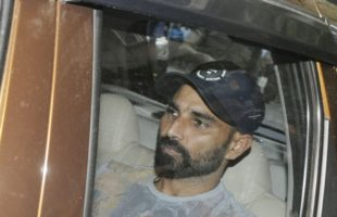 Court summons cricketer Shami in cheque bounce case