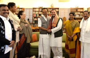 Stalin holds talks with Sonia, Rahul ahead of opposition meet