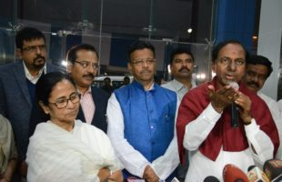 KCR meets Mamata, says his mission is to form non-Congress, non-BJP front