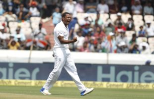 4th Test: Pujara ton boosts India on Day 1