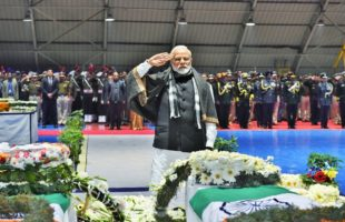 PM, Rahul pay homage to slain CRPF troopers