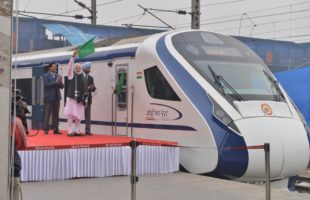 Modi flags off Vande Bharat Express