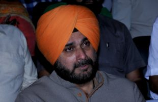 Sidhu talks of dialogue with Pakistan even after Pulwama attack