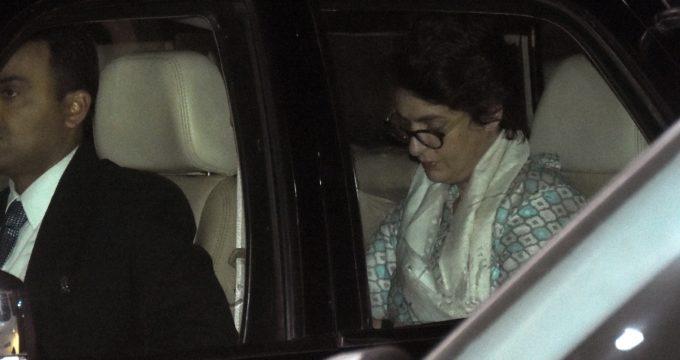 Priyanka flies off to Jaipur after Lucknow roadshow