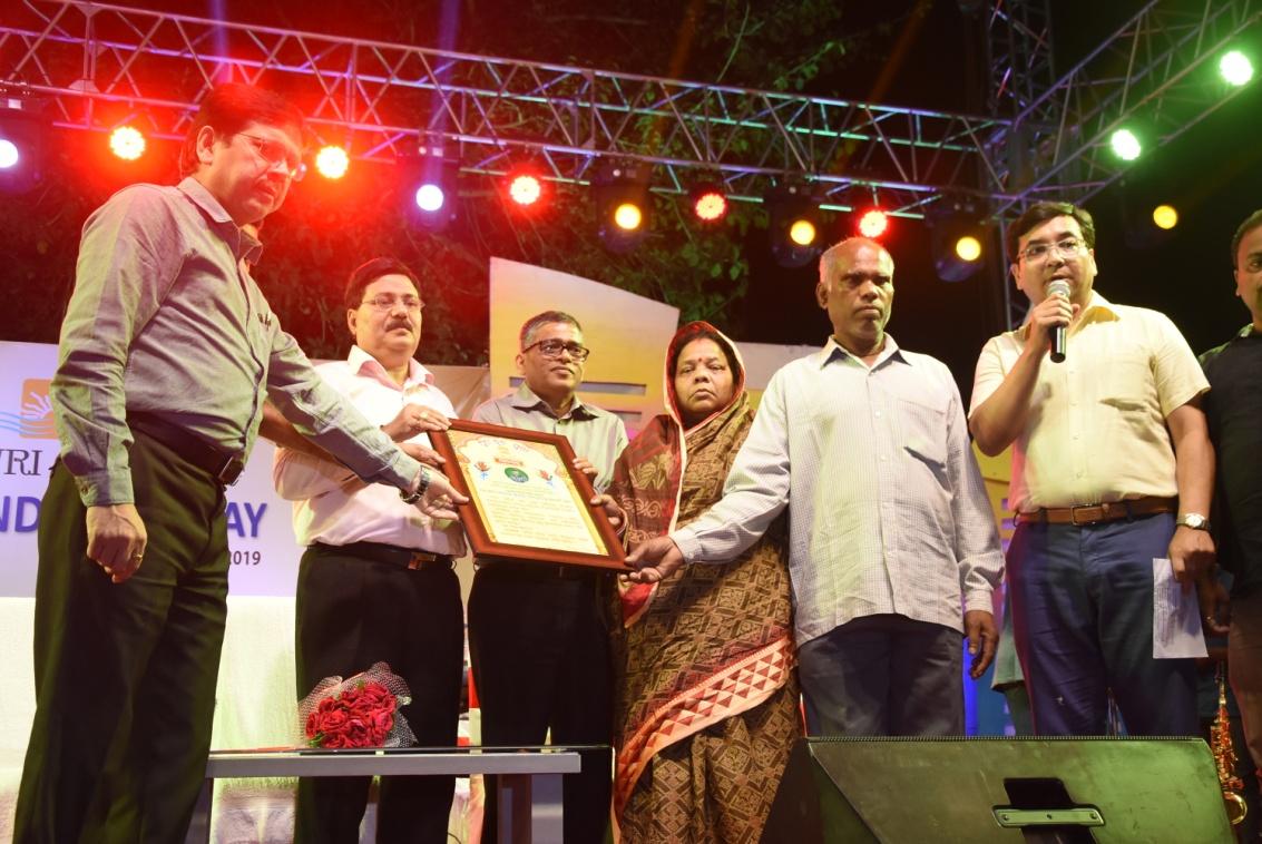 NALCO CMD honours parents of Pulwama martyr Manoj Kumar Behera