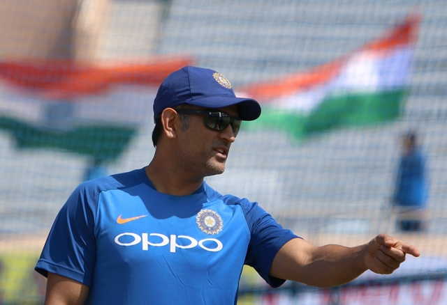 Dhoni moves SC over 'cheating' by Amrapali Group