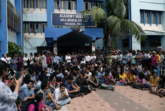 Junior doctors call off strike in Bengal