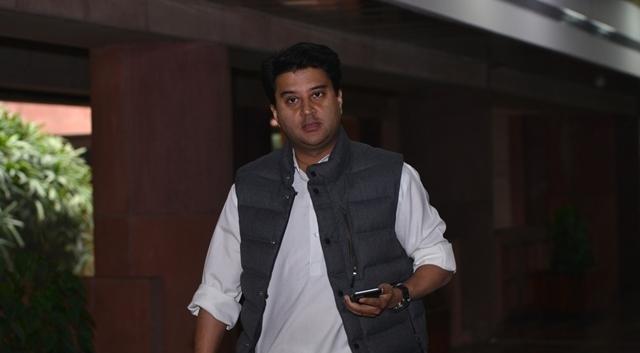 Amid leadership crisis, Scindia, Deora quit party posts