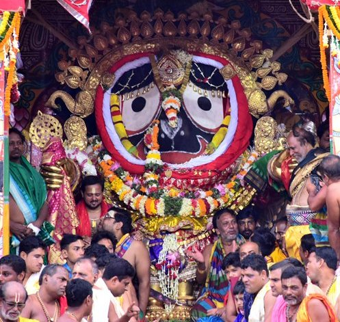 Lakhs of Devotees witness Suna Besha of Lord Jagannath, Lord Balabhadra and Devi Subhadra